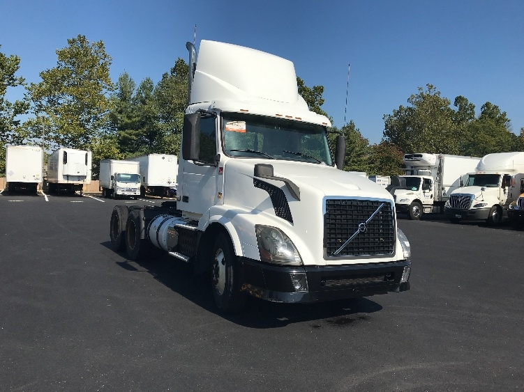 Day Cab Tractor-Heavy Duty Tractors-Volvo-2012-VNL64T300-CAPITOL HEIGHTS-MD-516,712 miles-$30,250