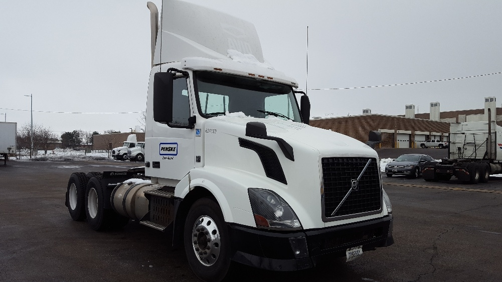 Day Cab Tractor-Heavy Duty Tractors-Volvo-2012-VNL64T300-MADISON-WI-254,026 miles-$42,250