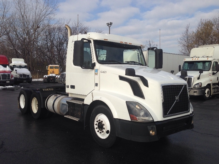 Day Cab Tractor-Heavy Duty Tractors-Volvo-2012-VNL64T300-SOUTH HOLLAND-IL-173,493 miles-$42,250