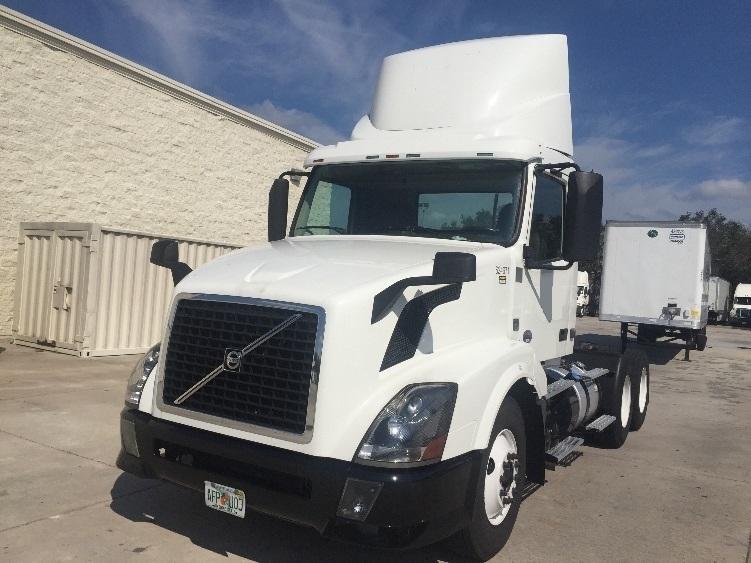 Day Cab Tractor-Heavy Duty Tractors-Volvo-2012-VNL64T300-ORLANDO-FL-211,205 miles-$44,750