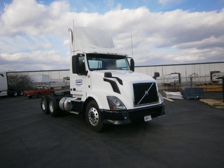 Day Cab Tractor-Heavy Duty Tractors-Volvo-2012-VNL64T300-LA VERGNE-TN-319,822 miles-$41,250