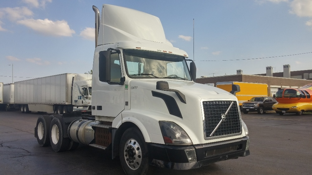 Day Cab Tractor-Heavy Duty Tractors-Volvo-2012-VNL64T300-MADISON-WI-309,159 miles-$31,750