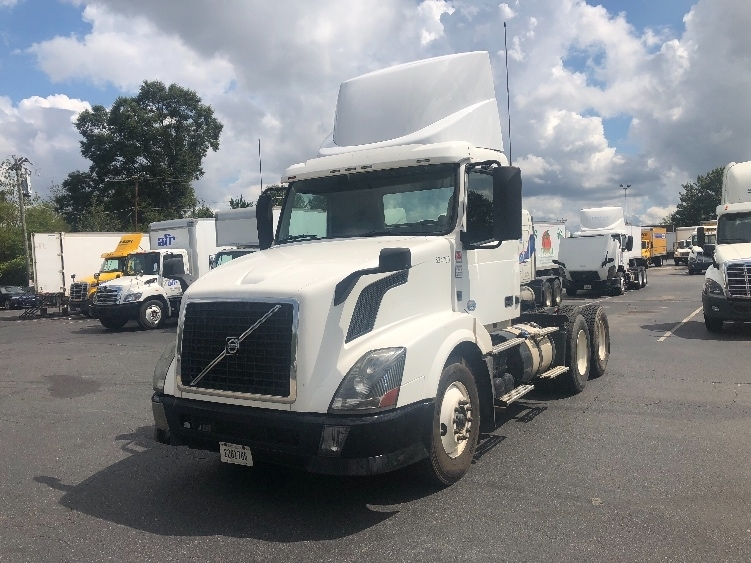 Used Day Cab Tractors For Sale In Nc Penske Used Trucks