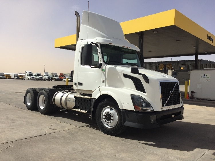 Day Cab Tractor-Heavy Duty Tractors-Volvo-2012-VNL64T300-AMARILLO-TX-634,961 miles-$29,250