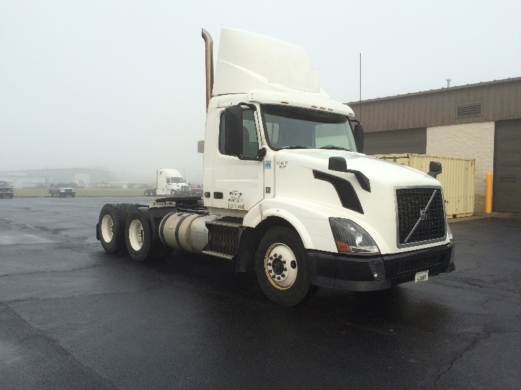 Day Cab Tractor-Heavy Duty Tractors-Volvo-2012-VNL64T300-WILMINGTON-OH-531,597 miles-$27,750