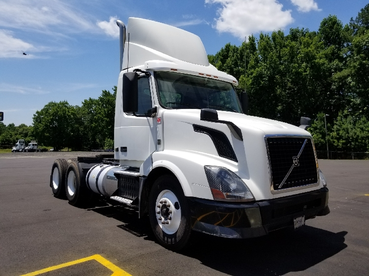 Day Cab Tractor-Heavy Duty Tractors-Volvo-2012-VNL64T300-NEWBERRY-SC-572,107 miles-$30,000