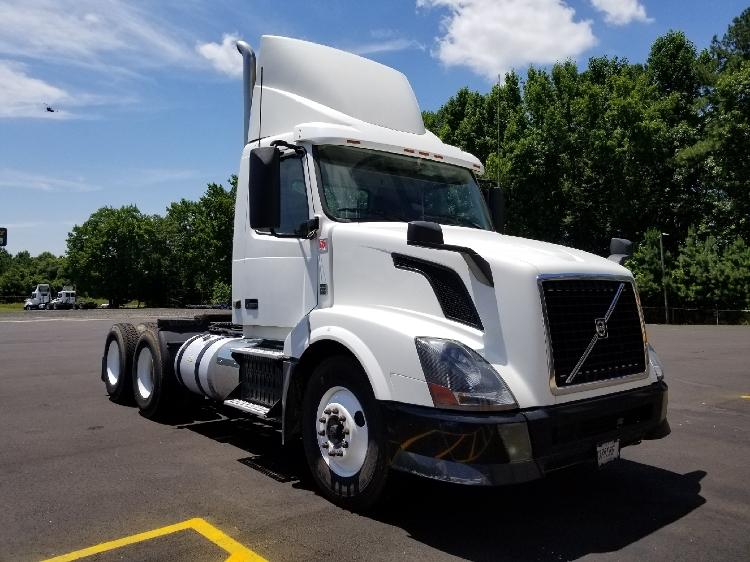 Day Cab Tractor-Heavy Duty Tractors-Volvo-2012-VNL64T300-NEWBERRY-SC-572,107 miles-$22,500