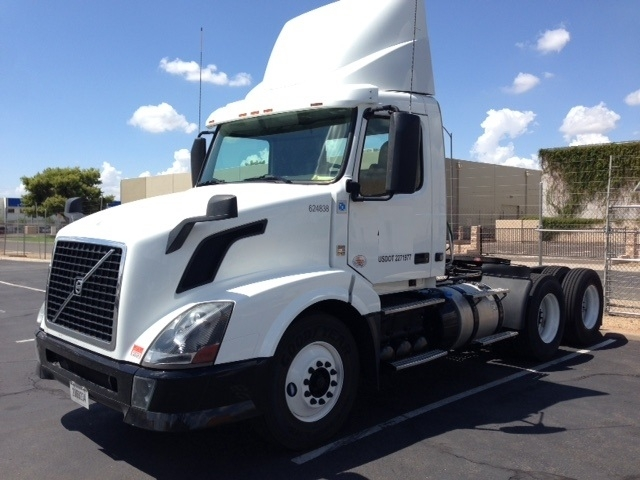 Day Cab Tractor-Heavy Duty Tractors-Volvo-2012-VNL64T300-PHOENIX-AZ-268,343 miles-$51,000