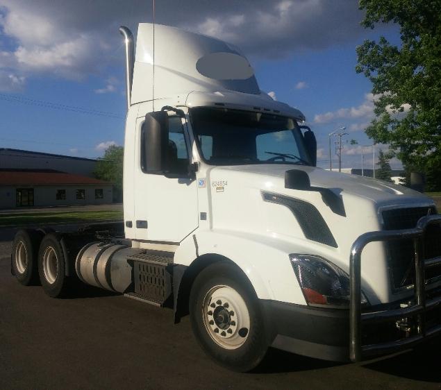Day Cab Tractor-Heavy Duty Tractors-Volvo-2012-VNL64T300-SAINT JOHNS-MI-543,613 miles-$27,000