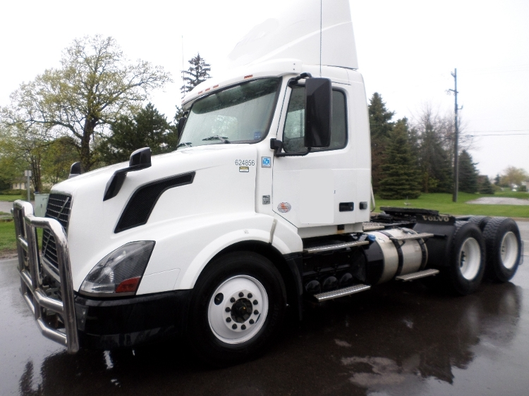 Day Cab Tractor-Heavy Duty Tractors-Volvo-2012-VNL64T300-SAINT JOHNS-MI-539,836 miles-$27,250