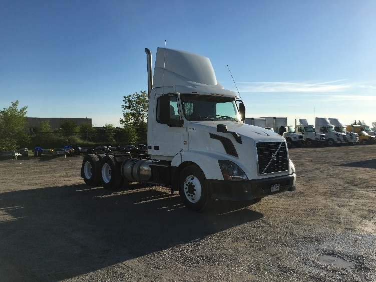 Day Cab Tractor-Heavy Duty Tractors-Volvo-2012-VNL64T300-SAGINAW-MI-265,083 miles-$30,500