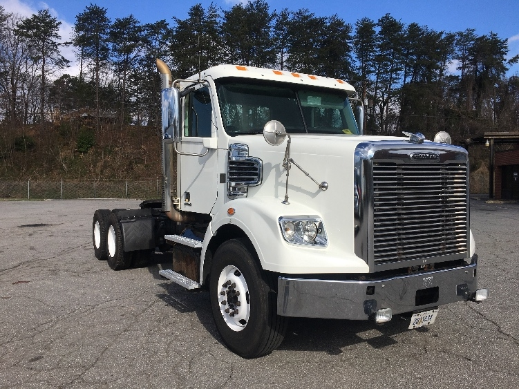 Day Cab Tractor-Heavy Duty Tractors-Freightliner-2012-CORONADO-MARTINSVILLE-VA-517,734 miles-$42,250