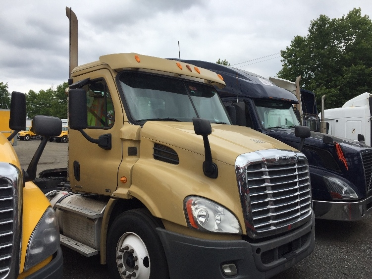 Day Cab Tractor-Heavy Duty Tractors-Freightliner-2012-Cascadia 11364ST-SURREY-BC-360,093 km-$11,000