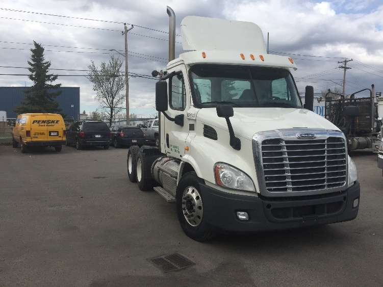 Day Cab Tractor-Heavy Duty Tractors-Freightliner-2012-Cascadia 11364ST-CALGARY-AB-482,395 km-$47,250