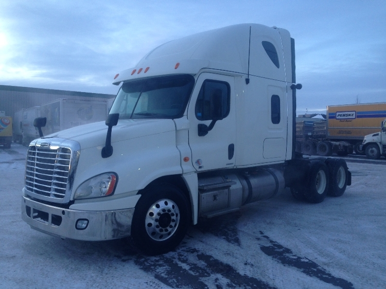 Sleeper Tractor-Heavy Duty Tractors-Freightliner-2012-Cascadia 12564ST-CALGARY-AB-767,439 km-$51,000