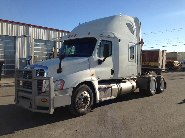 Sleeper Tractor-Heavy Duty Tractors-Freightliner-2012-Cascadia 12564ST-CALGARY-AB-834,055 km-$50,500