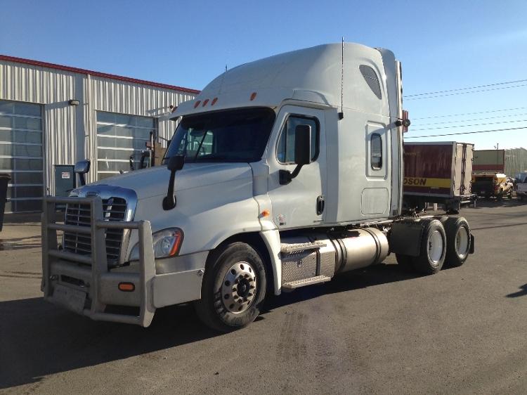 Sleeper Tractor-Heavy Duty Tractors-Freightliner-2012-Cascadia 12564ST-CALGARY-AB-864,696 km-$44,500