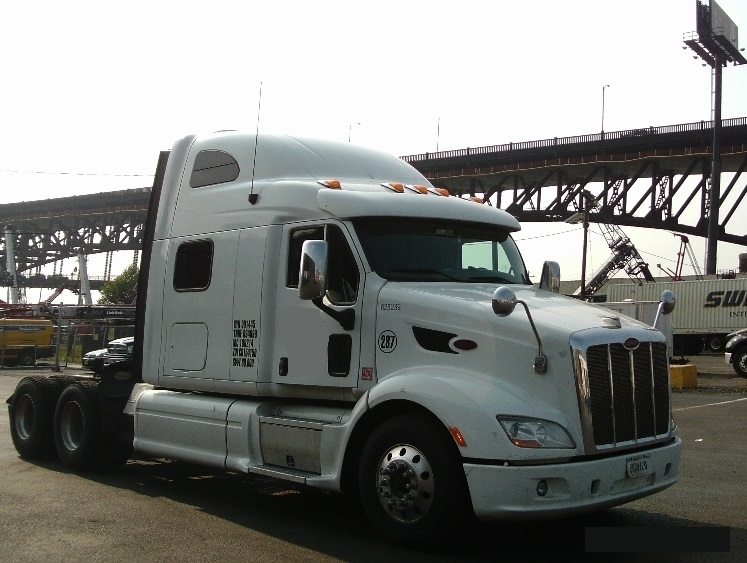 Sleeper Tractor-Heavy Duty Tractors-Peterbilt-2012-587-NORTH BERGEN-NJ-497,178 miles-$56,250