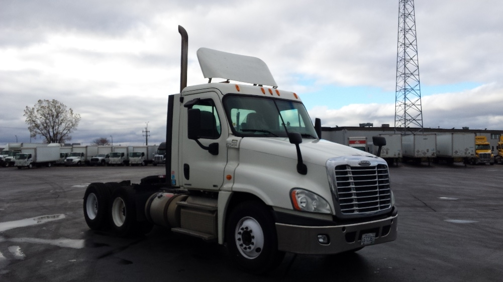 Day Cab Tractor-Heavy Duty Tractors-Freightliner-2012-Cascadia 12564ST-STE-FOY-PQ-706,461 km-$46,250