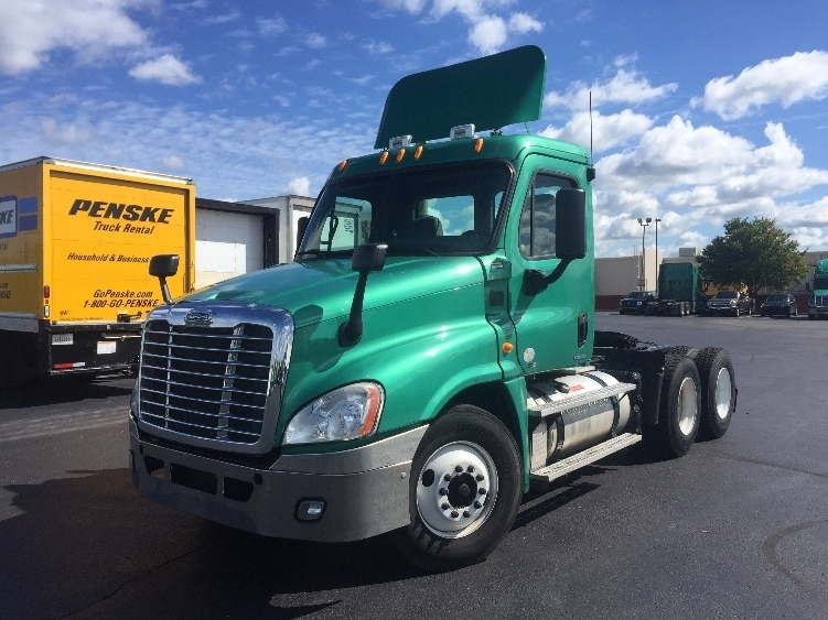 Day Cab Tractor-Heavy Duty Tractors-Freightliner-2012-Cascadia 12564ST-INDIANAPOLIS-IN-308,525 miles-$39,250