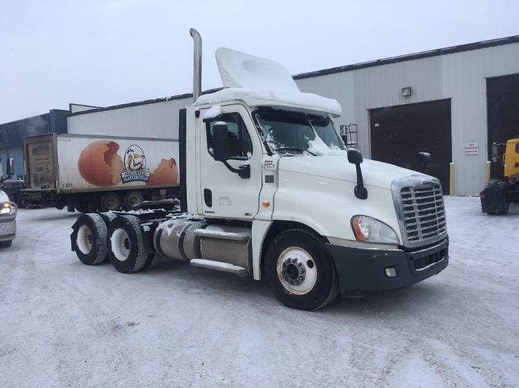 Day Cab Tractor-Heavy Duty Tractors-Freightliner-2012-Cascadia 12564ST-CALGARY-AB-224,248 km-$59,250