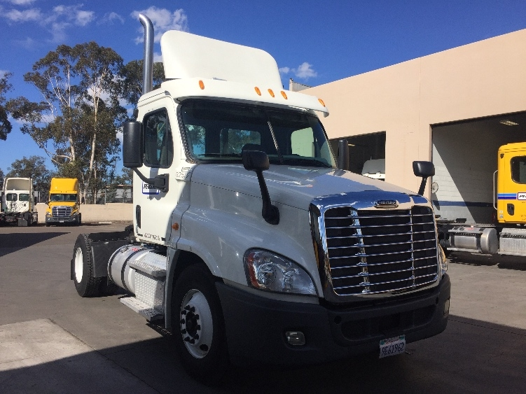 Day Cab Tractor-Heavy Duty Tractors-Freightliner-2012-Cascadia 12542ST-TORRANCE-CA-150,290 miles-$49,500