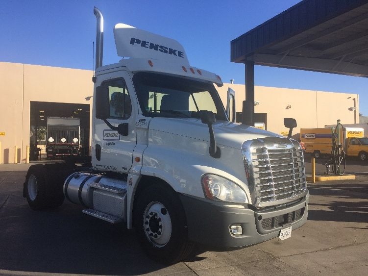 Day Cab Tractor-Heavy Duty Tractors-Freightliner-2012-Cascadia 12542ST-TORRANCE-CA-184,370 miles-$46,500