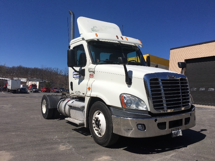 Day Cab Tractor-Heavy Duty Tractors-Freightliner-2012-Cascadia 12542ST-MONTGOMERY-NY-426,251 miles-$30,750