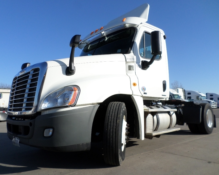 Day Cab Tractor-Heavy Duty Tractors-Freightliner-2012-Cascadia 12542ST-HOLLAND-MI-252,756 miles-$38,000