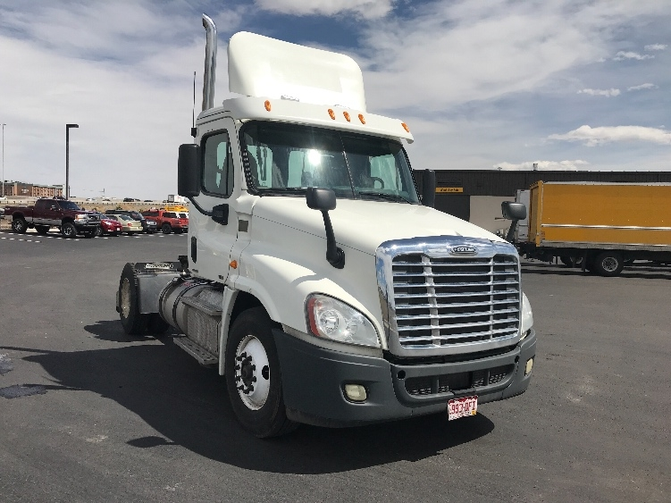 Day Cab Tractor-Heavy Duty Tractors-Freightliner-2012-Cascadia 12542ST-DENVER-CO-264,132 miles-$43,250