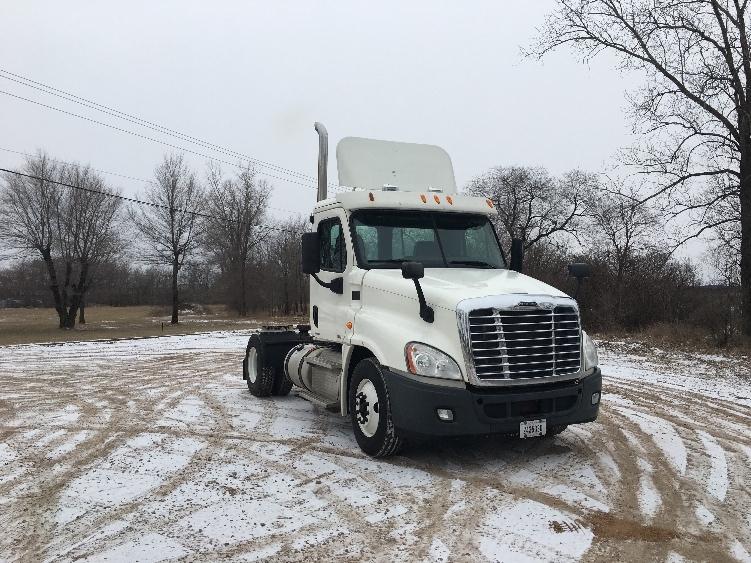 Used Heavy Duty Tractors Trucks In Wi For Sale Penske Used Trucks