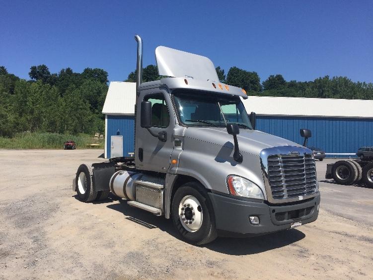 Day Cab Tractor-Heavy Duty Tractors-Freightliner-2012-Cascadia 12542ST-WHITESBORO-NY-202,469 miles-$37,500