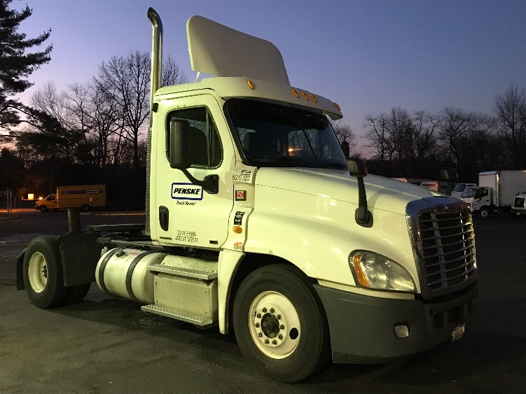 Day Cab Tractor-Heavy Duty Tractors-Freightliner-2012-Cascadia 12542ST-DAYTON-NJ-386,850 miles-$30,750