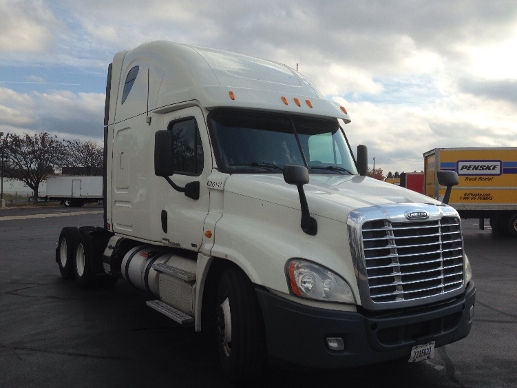 Sleeper Tractor-Heavy Duty Tractors-Freightliner-2012-Cascadia 12564ST-BROOK PARK-OH-449,013 miles-$17,000