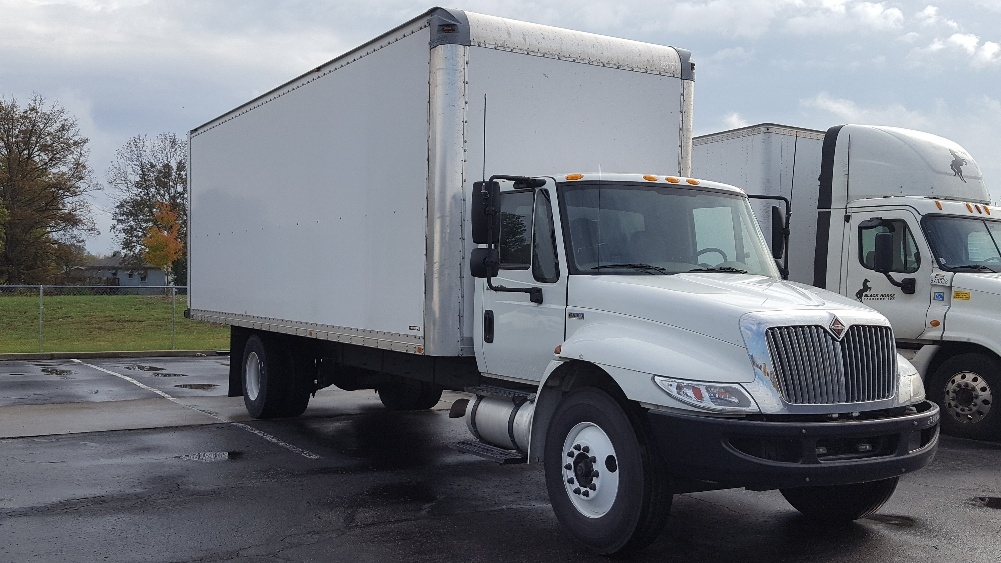 used medium duty box trucks for sale in ky penske used trucks. Black Bedroom Furniture Sets. Home Design Ideas