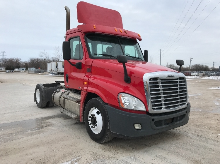 Day Cab Tractor-Heavy Duty Tractors-Freightliner-2012-Cascadia 12542ST-FOND DU LAC-WI-326,161 miles-$33,000