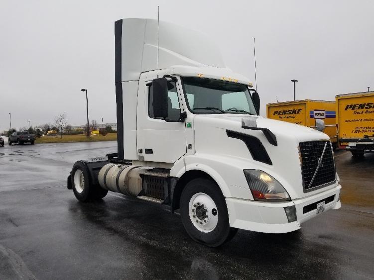 Day Cab Tractor-Heavy Duty Tractors-Volvo-2012-VNL42300-DAVENPORT-IA-415,850 miles-$30,000