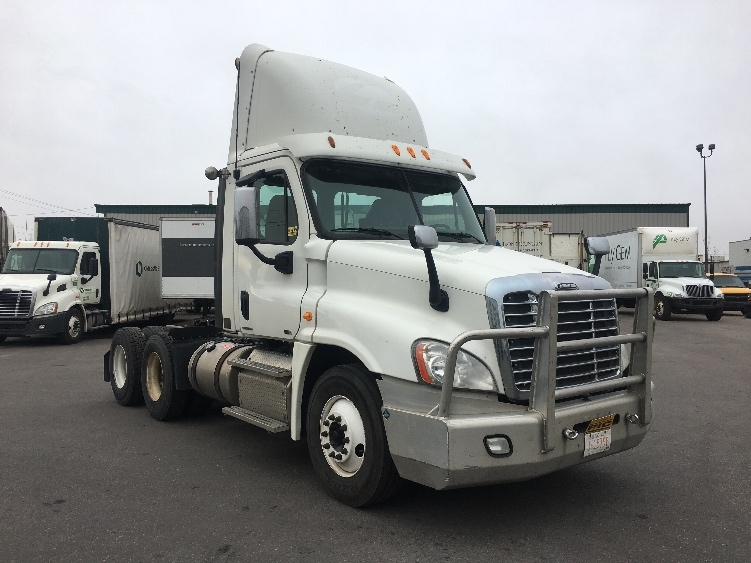 Day Cab Tractor-Heavy Duty Tractors-Freightliner-2012-Cascadia 12564ST-CALGARY-AB-800,111 km-$49,750