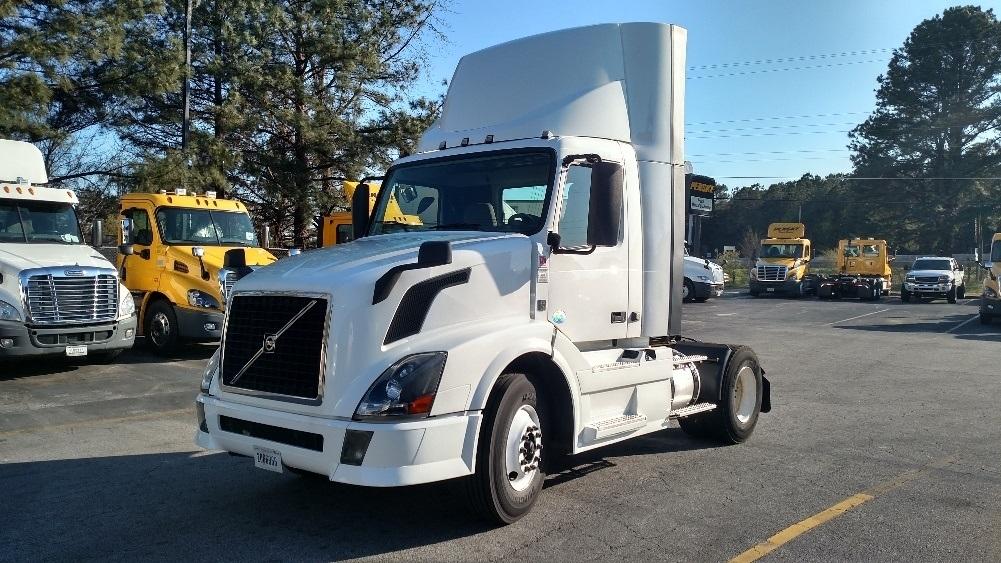 Day Cab Tractor-Heavy Duty Tractors-Volvo-2012-VNL42300-CONYERS-GA-342,700 miles-$31,500