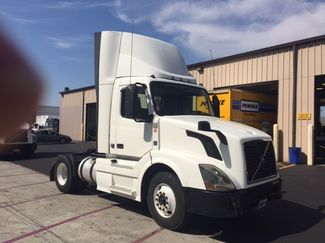 Day Cab Tractor-Heavy Duty Tractors-Volvo-2012-VNL42300-TORRANCE-CA-405,413 miles-$32,750