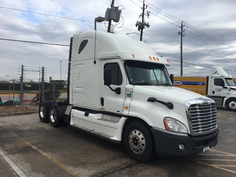 Sleeper Tractor-Heavy Duty Tractors-Freightliner-2012-Cascadia 12564ST-HOUSTON-TX-384,759 miles-$43,250