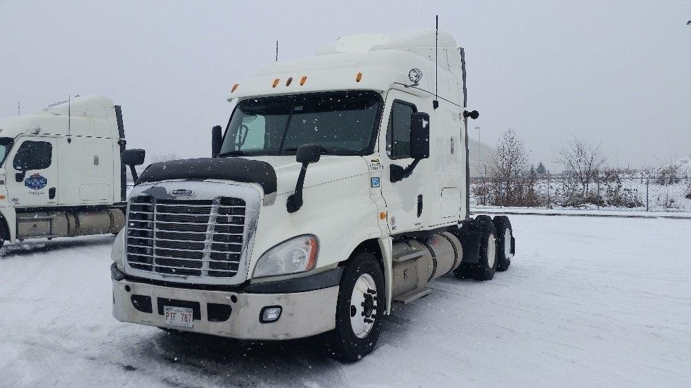 Sleeper Tractor-Heavy Duty Tractors-Freightliner-2012-Cascadia 12564ST-STE-FOY-PQ-812,770 km-$38,000