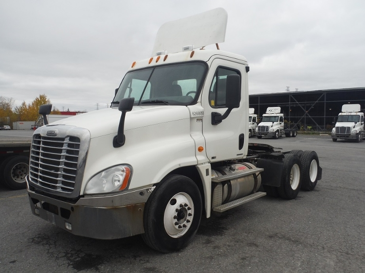 Day Cab Tractor-Heavy Duty Tractors-Freightliner-2012-Cascadia 12564ST-SAINT LAURENT-PQ-420,543 km-$54,000