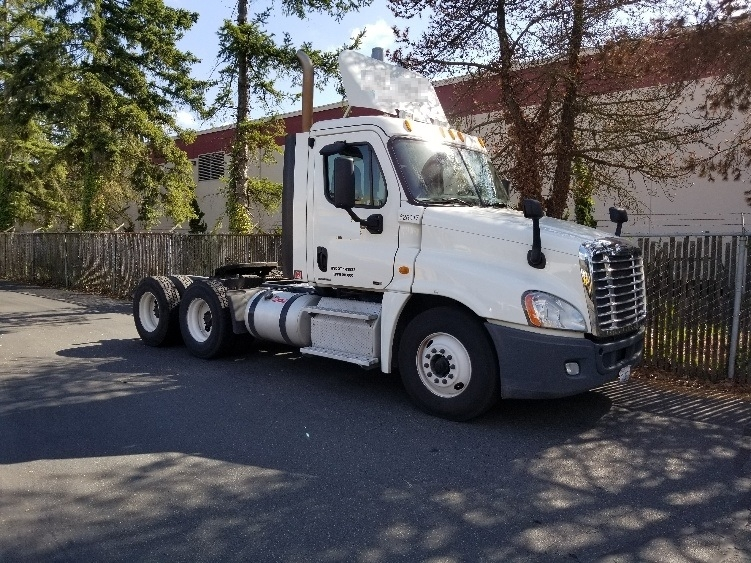 Day Cab Tractor-Heavy Duty Tractors-Freightliner-2012-Cascadia 12564ST-KENT-WA-218,748 miles-$48,500