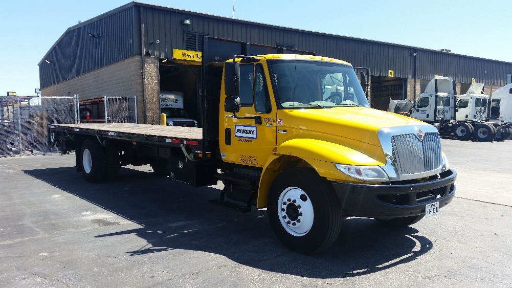 Flatbed Truck-Light and Medium Duty Trucks-International-2012-4300-SAN ANTONIO-TX-134,182 miles-$33,750