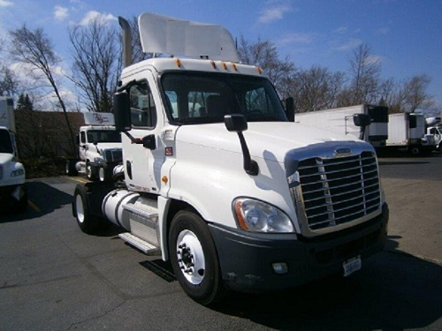 Day Cab Tractor-Heavy Duty Tractors-Freightliner-2012-Cascadia 12542ST-MONTGOMERY-IL-372,801 miles-$34,250