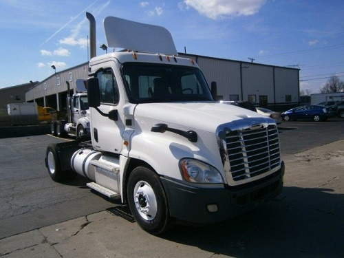 Day Cab Tractor-Heavy Duty Tractors-Freightliner-2012-Cascadia 12542ST-MONTGOMERY-IL-487,156 miles-$30,750