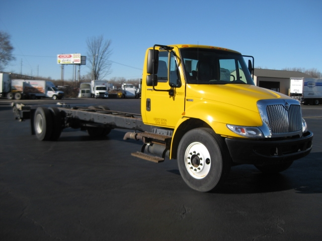 Cab and Chassis Truck-Light and Medium Duty Trucks-International-2012-4300-FORT WAYNE-IN-152,928 miles-$22,500