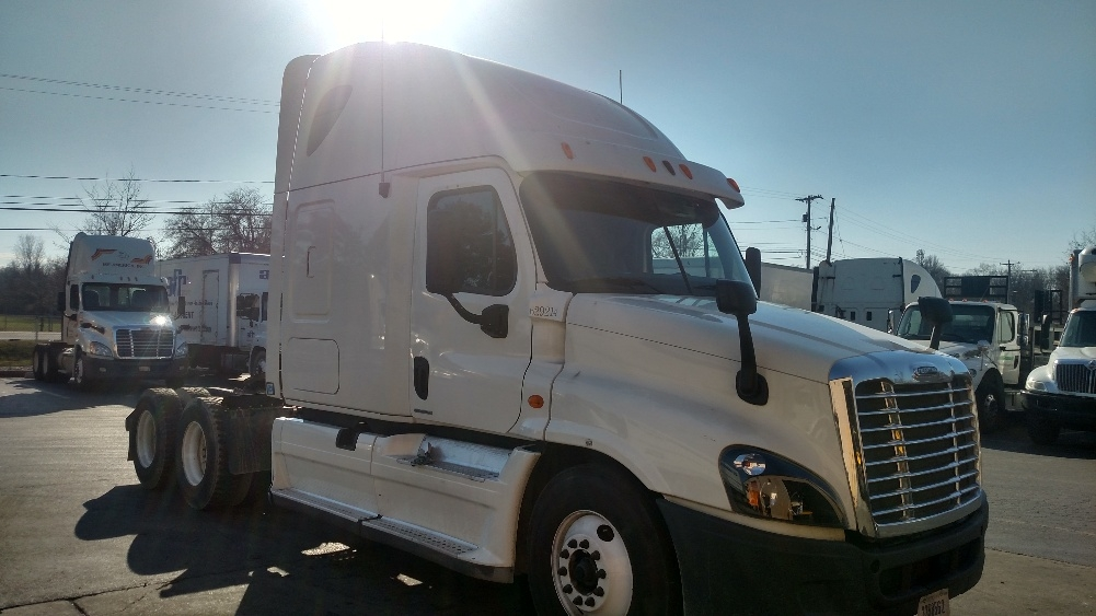 Sleeper Tractor-Heavy Duty Tractors-Freightliner-2012-Cascadia 12564ST-NEW CASTLE-DE-543,124 miles-$42,000