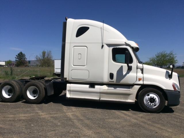 Sleeper Tractor-Heavy Duty Tractors-Freightliner-2012-Cascadia 12564ST-YAKIMA-WA-477,415 miles-$44,750